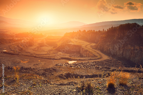 Stone mine - 69664857
