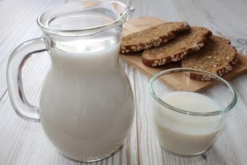 Vesper mit Milch und Brot