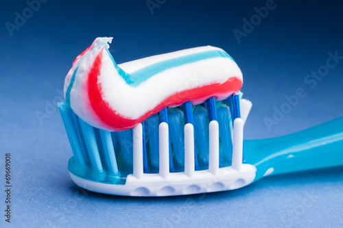 toothpaste - 69669008