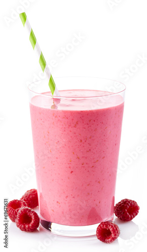 Raspberry smoothie - 69671631