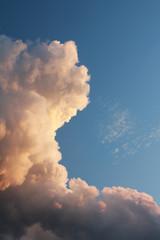 Cumuluswolke beleuchtet