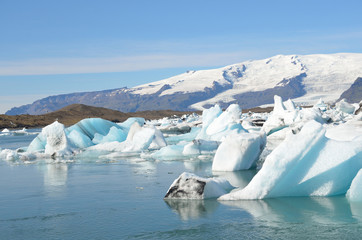 Исландия, ледниковая лагуна Йокюлсаурлоун