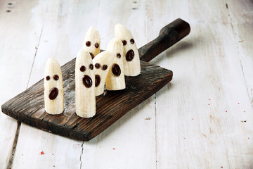 Banana Halloween Ghosts with Chocolate Faces