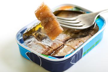 Sliced herring in oil.