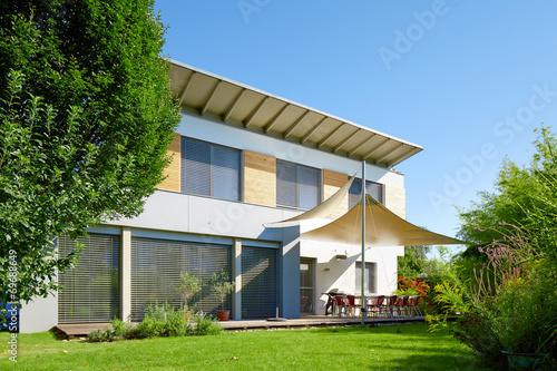 Leinwanddruck Bild Beautiful modern house