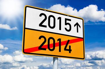 Ortseingangsschild mit 2015 und 2014