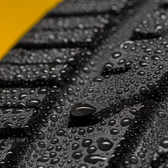 Car tire aquaplaning risk