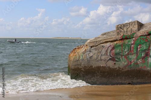 canvas print picture Überreste des Atlantikwalls im Becken von Arcachon