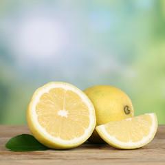 Gesunde Zitronen Früchte mit Textfreiraum