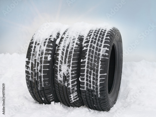 canvas print picture Tyres in the snow