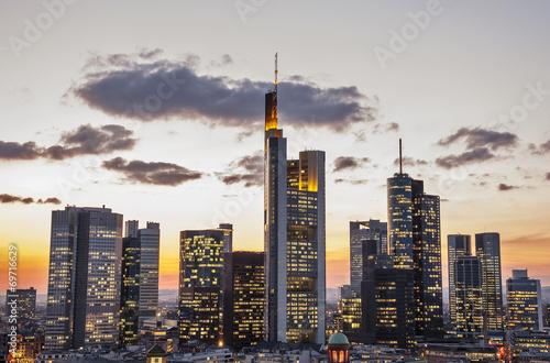 canvas print picture Skyline von Frankfurt am Main am Abend
