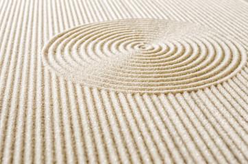 Sand mit Linien und Kreisen