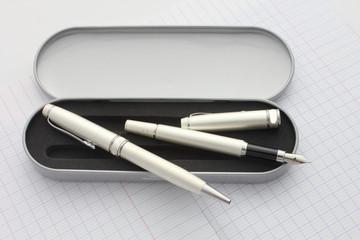 Boitier de stylos