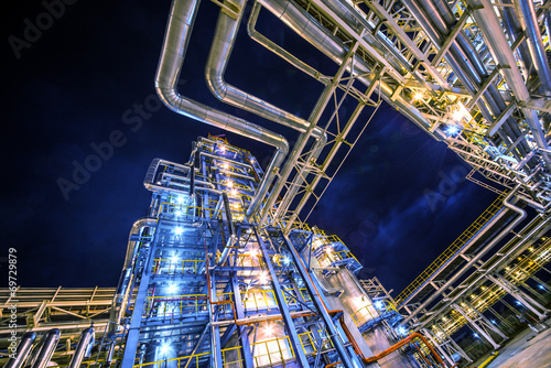 refinery - 69729879
