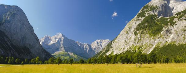 Panorama Landschaft in Österreich im großen Ahornboden