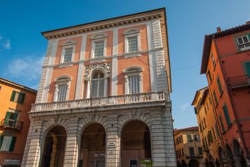 Facciata palazzo signorile, centro storico, Pisa
