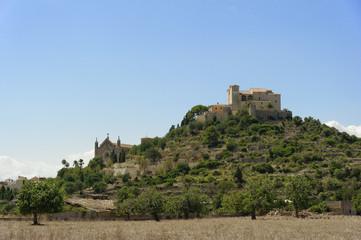Blick auf Arta und Wallfahrtskirche des Santuari de Sant Salvado