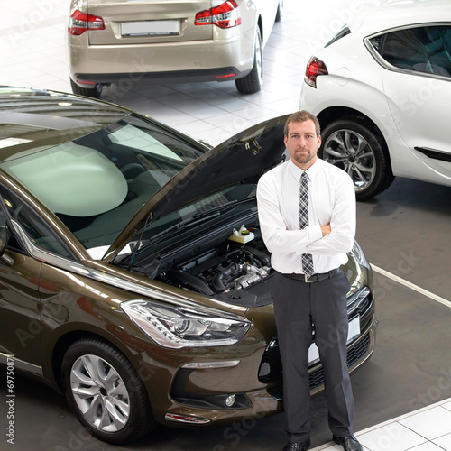 canvas print picture erfolgreicher Autoverkäufer //successful car salesman