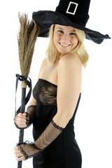 Frau in Kostüm Hexe zu Halloween