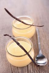 vanilla cream dessert