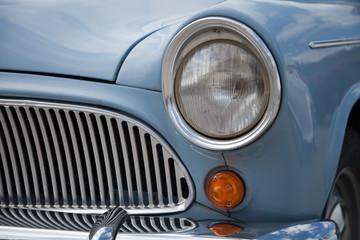 Calandre de vieille voiture