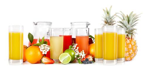 Frutta fresca con spremute e frullati