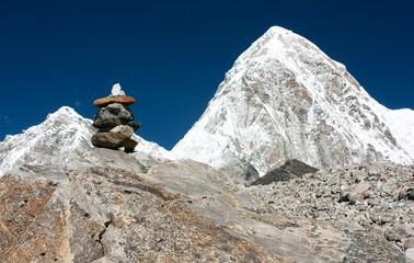 Mount Pumo Ri and stone man near Everest