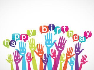 groupe de mains souriant : bulles happy birthday