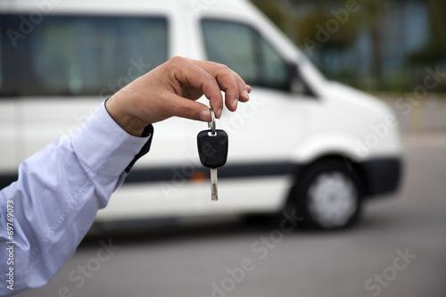 Leinwanddruck Bild Minibus Key