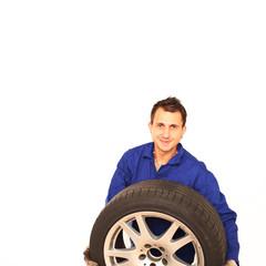 Mechaniker Reifenwechsel