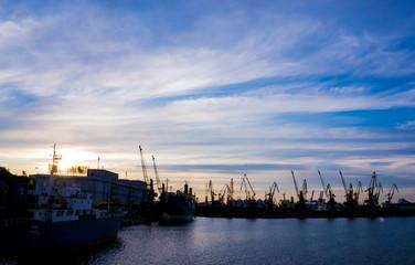 Одесса. Вечер в порту