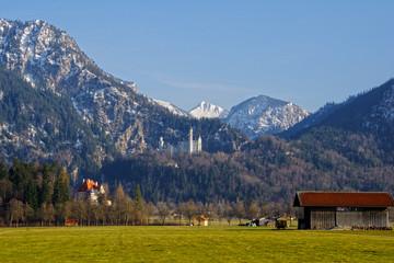 Aus der Ferne grüßt Schloss Neuschwanstein