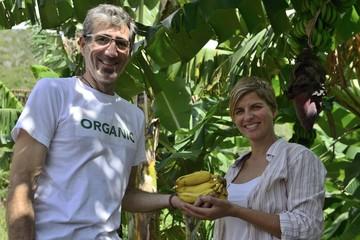 Organic farmer and customer