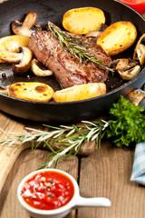 irisch rinder steak mit bratkartoffeln