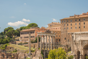 Fiew of the Roman Forum from trajan's Marketplace