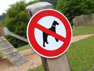 Hundeverbot am Spielplatz....