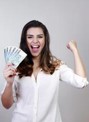 winner, hundred reais, money of brazil