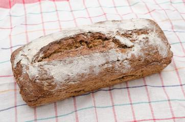 frisches Brot, selbst gemacht