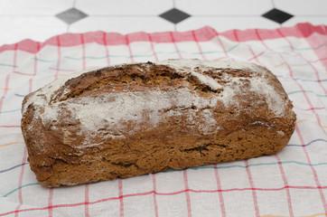 rustikales Brot, hausgemacht