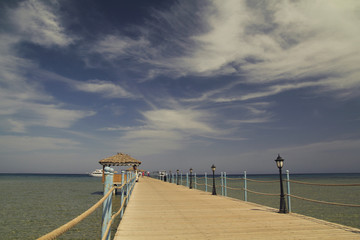 Pier at sea (Пирс в море)