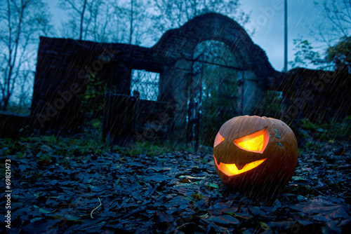 canvas print picture Halloween pumpkin with ancient gate