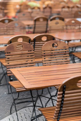 Tavoli e sedie in legno  da esterno