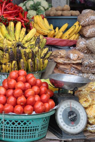 canvas print picture Fruits au marché de Bedugul, Bali