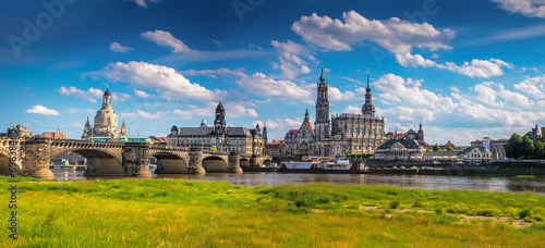 canvas print picture The ancient city of Dresden, Germany