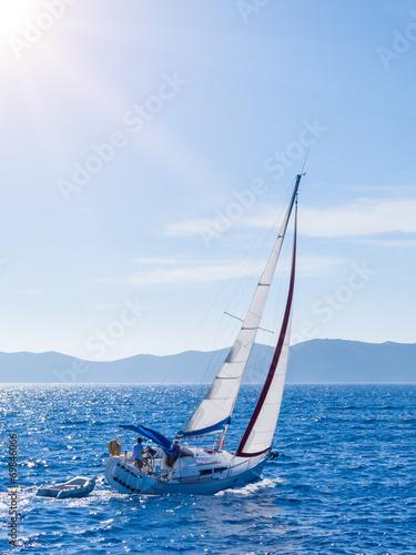 zeglowanie-jacht-w-lefkada-grecja