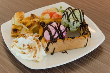 Honey toast and ice cream