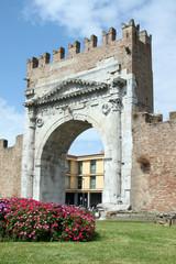 Arco d'Augusto 5
