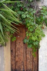 Le Castellet - Portes anciennes en bois