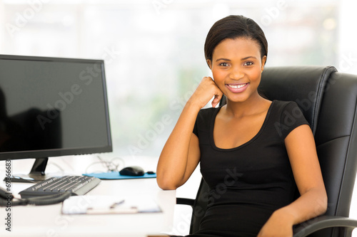 canvas print picture african businesswoman sitting in office