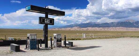Great Sand Dunes - Gas station